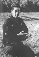 Fig. 4. Maître Otake en posture assise pour sortir le sabre